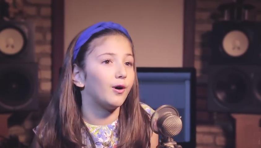 Baile infantil em Natal terá cantora mirim com vídeo visto por 2 milhões de pessoas