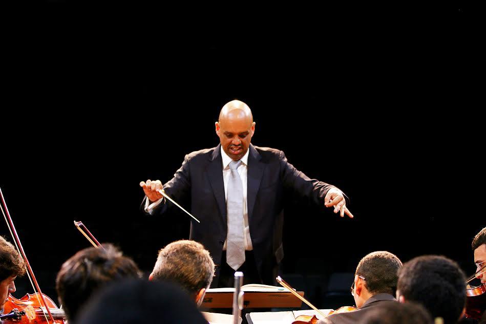 Você pode assistir de graça um concerto com pianista alemão na UFRN