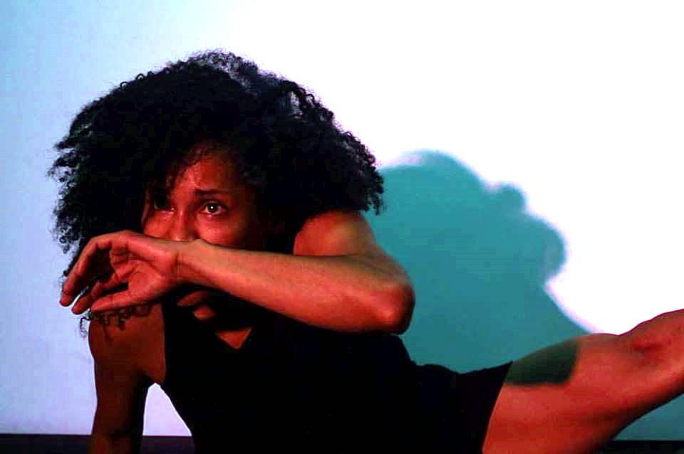 Casa da Ribeira terá espaços ocupados com estreia nacional e ações performáticas