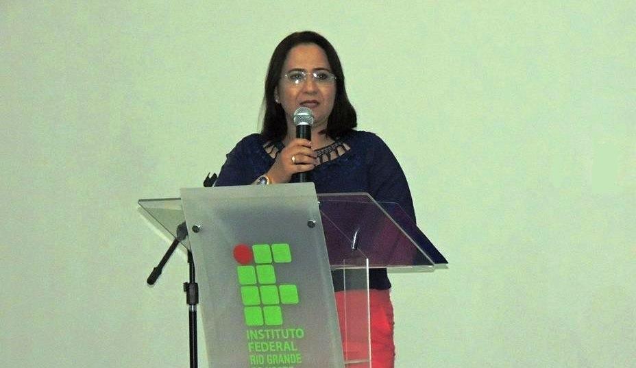 POETA DA SEMANA: Nildinha Freitas
