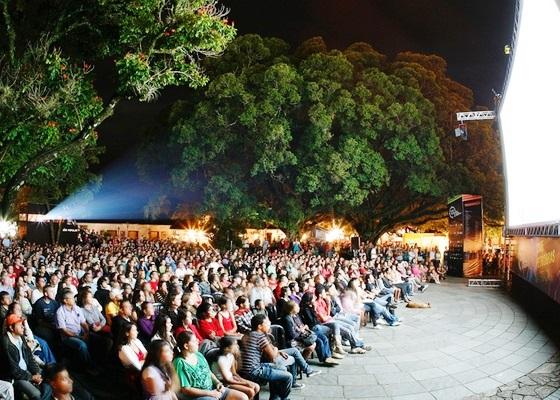 Burburinho Festival de Artes divulga programação gratuita dos três dias