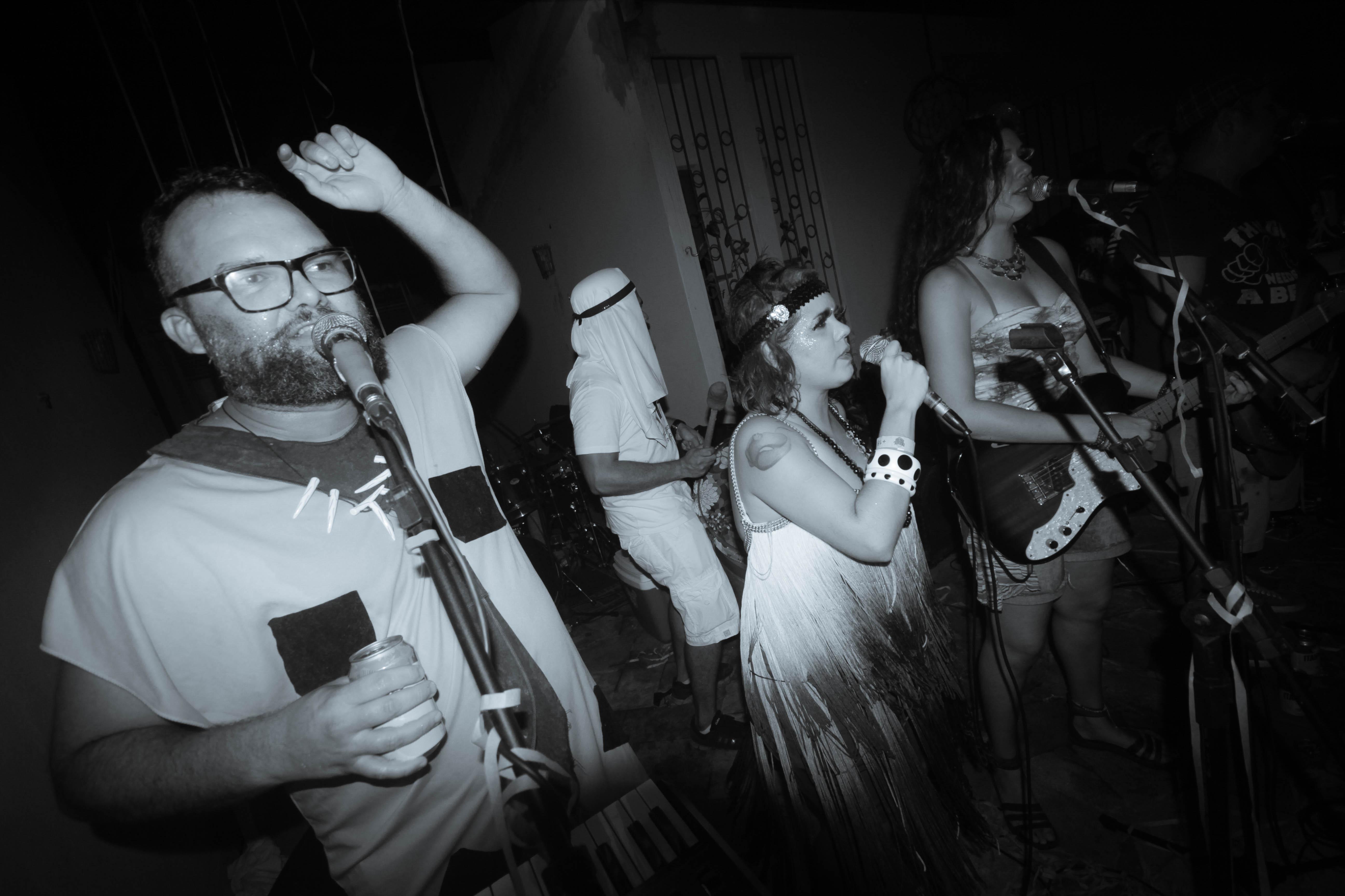 CURTINHAS: Novo álbum da Orquestra Greiosa neste sábado na Ribeira; ouça!