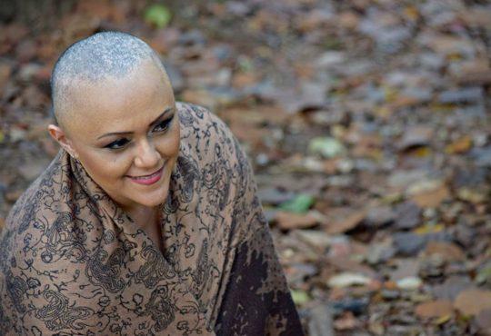 Uma exposição e um depoimento sobre o câncer de mama