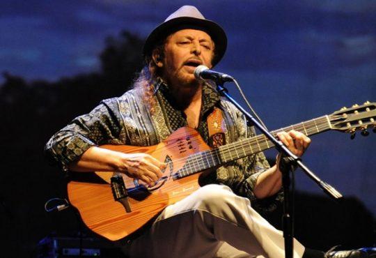 Zé Maria Pescador abre show de Geraldo Azevedo em festival de Baía Formosa