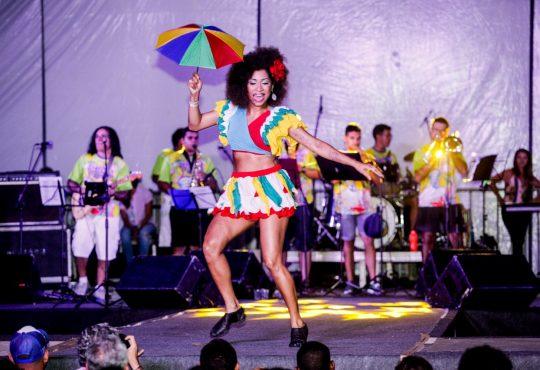 Bailarina e pesquisadora de dança é eleita pela segunda vez Rainha do Carnaval de Natal