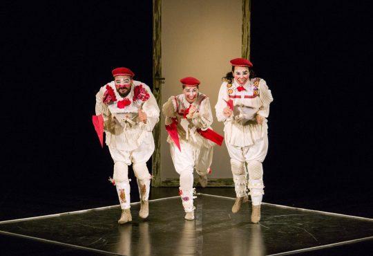 Clowns de Shakespeare apresentam Abrazo e promovem oficinas gratuitas