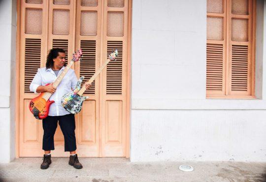 Um dos maiores baixistas do mundo toca neste sábado em Maracajaú