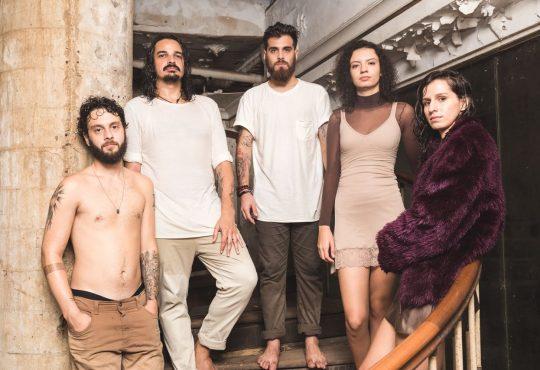 Confira o novo videoclipe Estrondo, da banda potiguar Plutão Já Foi Planeta