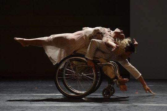 Premiado espetáculo será encenado de graça nesta sexta no Espaço Gira Dança