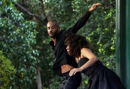 Espetáculo Maré transporta realidade do amor ao palco neste sábado