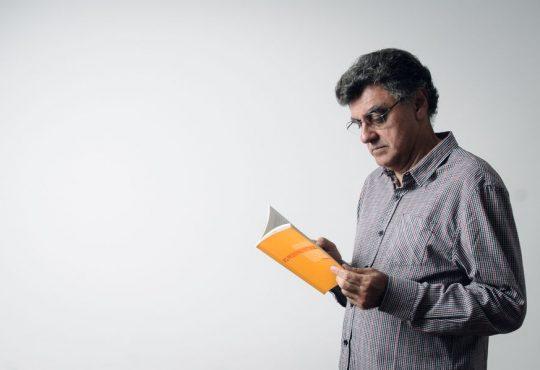 Fotografando silêncios: a poesia na crônica de Osair Vasconcelos