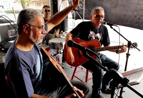 Tem blues, baladas e canções neste sábado em Ponta Negra