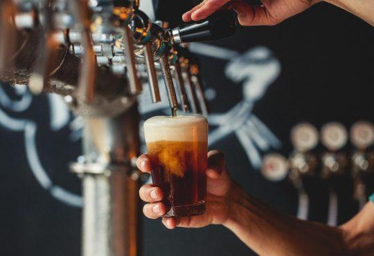 Oktober Beer terá 12 tipos de chopps e dois shows neste sábado