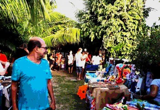 Feirinha traz shows de rock, bazar e artesanatos neste domingo