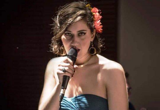 Bardallos inicia ano com show de jazz da norte-americana Haley Peltz