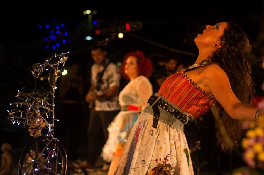 Rosa de Pedra apresenta o show Cocozurbano nesta sexta no TCP