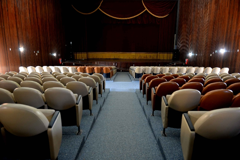 teatro adjuto dias
