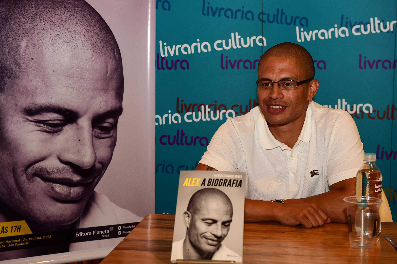 Marcos Eduardo Neves - biografia Alex