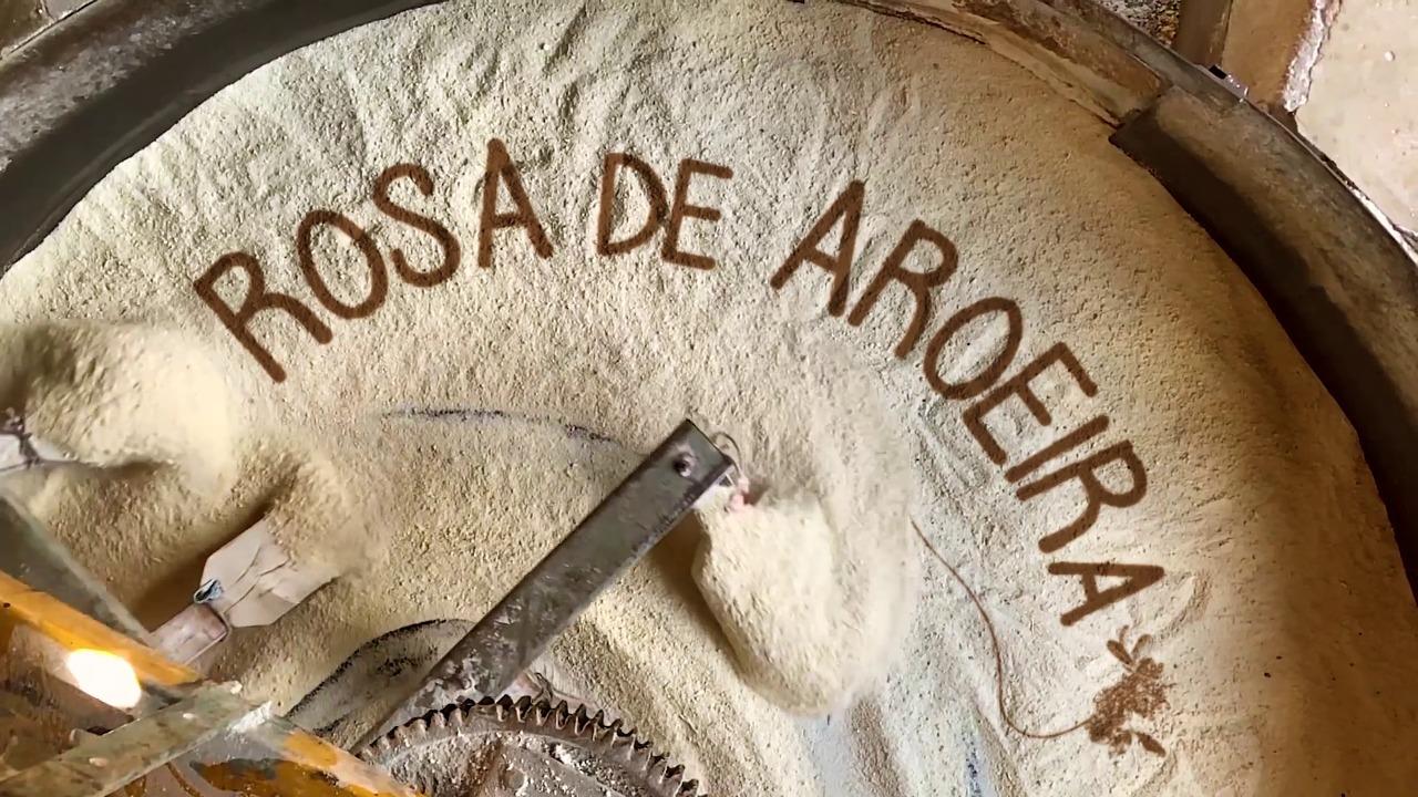 Rosa-de-Aroeira